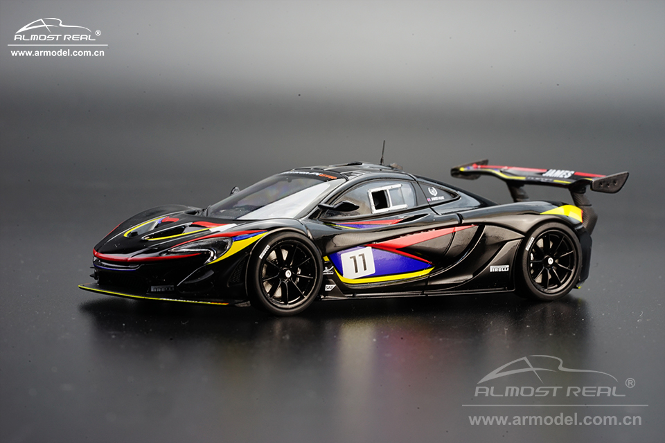 440108  Mclaren P1™ GTR James Humt Edition  1/43   490RMB